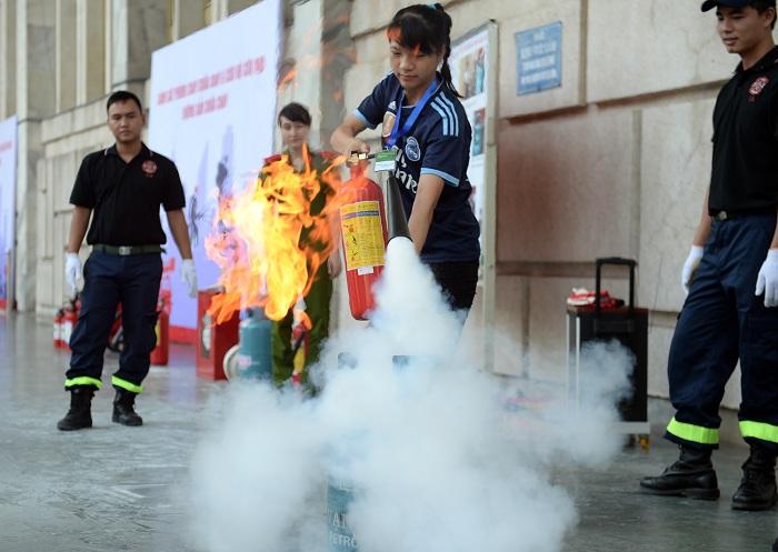 Bình chữa cháy bằng khí CO2