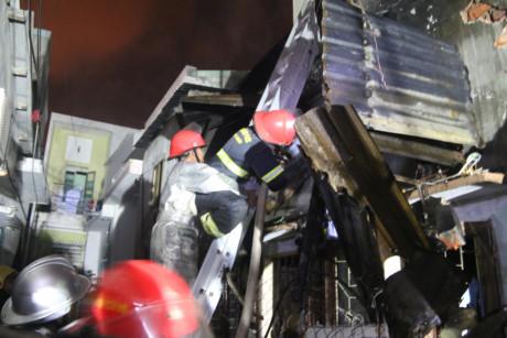 Cháy lớn tại Đà Nẵng: Một ngôi nhà bị đổ sập hoàn toàn