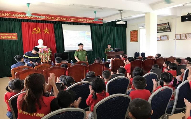 PCCC Đà Nẵng: Kỹ năng thoát hiểm khi có cháy cho học sinh