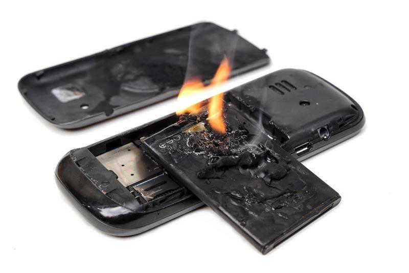 Hạn chế dùng điện thoại khi đang sạc
